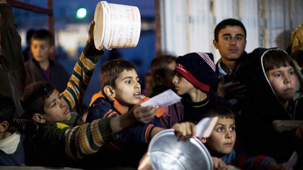 UN: Syrians cutting out food,  begging, to survive